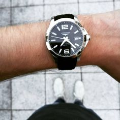 Discover my favorite Rolex Explorer alternatives - probably one of the best everyday watches ever made by Rolex. List complete with options for all budgets. Steinhart Ocean One, Omega Seamaster Diver, Rolex Explorer, Best Watches For Men, Funky Design, Citizen Watch, Oyster Perpetual, Automatic Watch, Quartz Watch