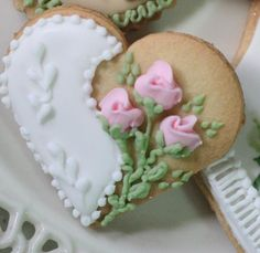 Heart and roses cookie