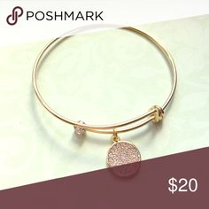 🎀Gold fashion bracelet with crystal charm🎀 Brand new gold bracelet with crystal charm trendy fashion🎀bundle and save💲💲 🎀🛍save 10% off bundles - 🛍About bundles🛍: Bundles are individual listings that include multiple items from my closet and are sold to one buyer (so you only have to hit the buy button and pay for shipping once). Saving you 💲💲💲🎀 bachigs Jewelry Bracelets