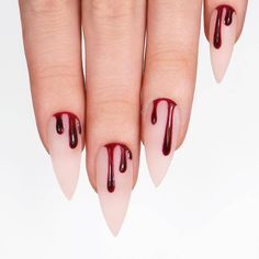 Unique Halloween Nail Designs for Bold Women 2018 The best and creative ways for nails designs to make your hands' look more acute than before. You can see here a lot of best ideas of Halloween nail designs for women of various age groups. Ongles Gel Halloween, Halloween Nail Designs, Halloween Nail Art, Halloween Halloween, Halloween Coffin, Pretty Nails, Fun Nails, Drip Nails, Holloween Nails