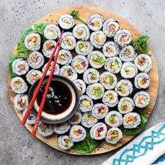 31 Easy Vegan Sushi Recipes (Healthy, Homemade) Have you been craving seafood? These Vegan Sushi Recipes are healthy, easy and are made entirely from plants! Filled with simple vegetables, Vegan Sushi Rolls, Food Inspiration, Vegan Recipes, Stuffed Mushrooms, Food Porn, Veggies, Yummy Food, Cooking, Garlic Clove