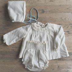 Buenas noches... Que soñéis con cosas tan dulces como este conjuntito para recién nacidos....  #reineetroi by reineetroi