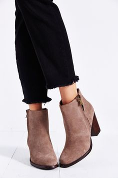 Silence + Noise Half Stacked Welt Suede Boot - Urban Outfitters