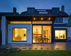 Home Remodel and Extension Project with Stunning Rear Side Design: Contemporary House Exterior Extension House Extension Plans, Roof Extension, Extension Ideas, Building Extension, Houses In Ireland, Ireland Homes, Dublin House, Flat Roof House, House Extensions