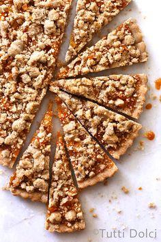 apricot amaretto cookie bars