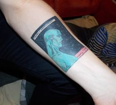 Dr Manhattan Watchmen tattoo done by Carl at Rude Boy Studios, Norwich, UK. Watchmen is my favourite book, I really like the simplicity of this panel. The past couple of years have been pretty tough. Hair Tattoos, Body Art Tattoos, I Tattoo, Cool Tattoos, Tatoos, Nerdy Tattoos, Awesome Tattoos, Dr Manhattan, Skin Drawing