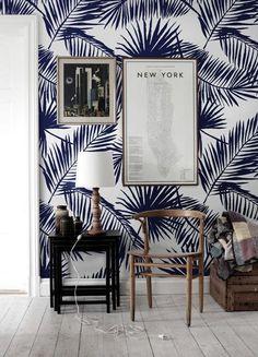 Blue tropical palm leaf wallpaper | Papier peint jungle bleu