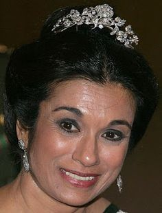 Tiara Mania: Diamond Floral Tiara worn by Princess Sarvath of Jordan