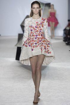 2014 HAUTE COUTURE EVENING DRESSES | giambattista-valli-spring-2014-haute-couture-show21.jpg
