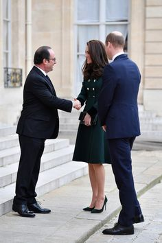 Royals & Fashion - Prince William and Duchess Catherine arrived in Paris mid-afternoon for an official two-day visit.  On their arrival, they went directly to the Elysee palace where they were received by François Hollande.