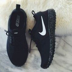 Shoes: nike shoes, nike, glow in the dark, air max, nike air, air max, nike running shoes, low top sneakers, sneakers, white, tumblr shoes, streetwear, streetstyle, style, athletic, nike shoe, cute, pretty, fashion, summer, spring, nike, blue nike, reflec