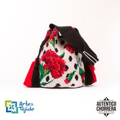"""New Cheap Bags. The location where building and construction meets style, beaded crochet is the act of using beads to decorate crocheted products. """"Crochet"""" is derived fro Crotchet Bags, Knitted Bags, Tapestry Bag, Tapestry Crochet, Mochila Crochet, Black And White Baby, Estilo Fashion, Bead Crochet, Beautiful Crochet"""