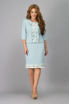 Красивые женские платья и костюмы