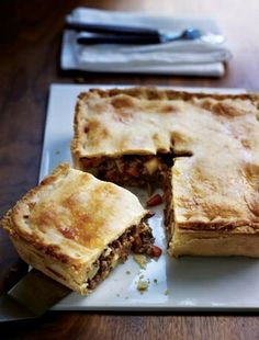 Shortcrust pastry Recipes - Meat and potato pie. Savory Pastry, Shortcrust Pastry, Savoury Baking, Savoury Dishes, Savoury Tarts, Samosas, Empanadas, Pastry Recipes, Cooking Recipes