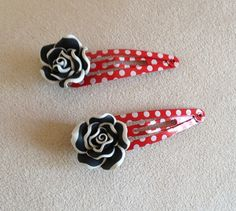 Pinup Rockabilly rose barrettes by QUEENBEADER on Etsy, $6.25