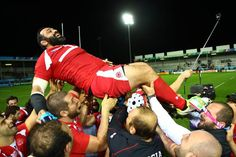 Davit Zirakashvili of Georgia is lifted by team mates after announcing his retirement after Georgia's final match of the Rugby World Cup Match Highlights, Rugby World Cup, Rugby Players, Retirement, Finals, Georgia, Japan, Sports, Bow
