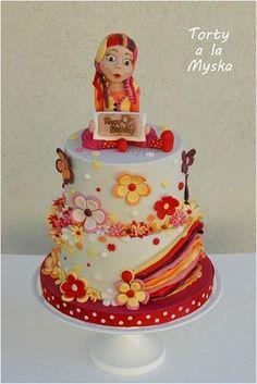 funny color elf cake