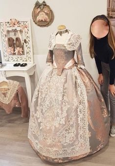 Modern Fashion, Vintage Fashion, 1700s Dresses, Historical Clothing, Traditional Outfits, Vintage Dresses, My Design, Victorian, Silk