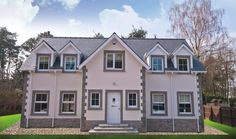 Monocouche Render With One-coat Technology For Private New Build - Plasterers News Sash Windows, How To Level Ground, New Builds, Facade, Shed, New Homes, Exterior, Outdoor Structures, Traditional
