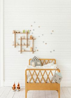 Kids room - vintage bed and simplicity // minimal design and decor ideas Baby Decor, Kids Decor, Decor Ideas, Little Boys Rooms, Kids Rooms, Deco Kids, Kids Wallpaper, Kids Room Design, Nursery Inspiration