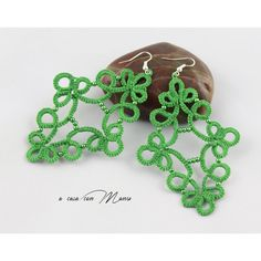Green lace earrings, tatting lace, pendant earrings, lace jewelry,... ($12) ❤ liked on Polyvore featuring jewelry, earrings, green jewellery, beaded pendant, beads jewellery, green jewelry and earring jewelry