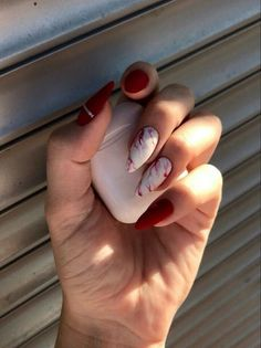 Shared by Find images and videos about red and nails on We Heart It - the app to get lost in what you love. Edgy Nails, Chic Nails, Stylish Nails, Swag Nails, Grunge Nails, Art Nails, Almond Nails Designs, Nail Designs, Red Acrylic Nails