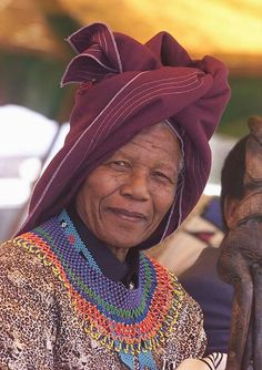 Former South African president Nelson Mandela wears a traditional Xhosa hat 11 February during a ceremony at his village of Qunu. Mandela celebrates anniversary of his release from the Robben Island jail. Nelson Mandela, African Beauty, African Fashion, African Culture, African American History, Xhosa Attire, Photo Souvenir, Namaste, First Black President