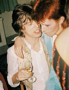 Mick Jagger & David Bowie ♥ ღ David Robert Jones ❥ January 1947 ― 10 January ★ Rock And Roll, Pop Rock, David Bowie, Angie Bowie, Anthony Kiedis, Stevie Nicks, Stevie Ray, Freddie Mercury, Mick Jagger Young