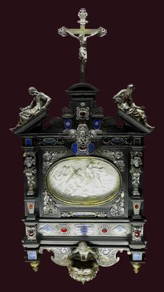 Reliquary with a silver bas relief of Paweł Wołucki, bishop of Łuck and Włocławek by Hans Heinrich Wagner in Munich, Residenzmuseum, presented to the bishop by Pope Paul V Aquamarines, Great Names, Rosettes, Munich, Lapis Lazuli, Christ, Plates, Frame, Silver
