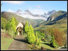 Cathedral Peak, Drakensberg - our beautiful chapel! Cool Places To Visit, Places To Travel, African Life, Kwazulu Natal, Proposal Ideas, Pretoria, Places Of Interest, What A Wonderful World, Nature Pictures