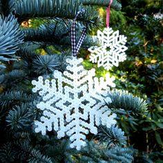Gwiazdki śniegu - Rękodzieła i Handmade od Pixel Nerd Tulle Decorations, Christmas Ornament Sets, Snowflakes, Xmas, Holiday Decor, Unique Jewelry, Handmade Gifts, Etsy, Vintage
