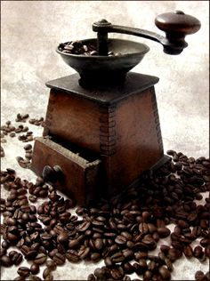 ☕ #Vintage #coffee bean #grinder