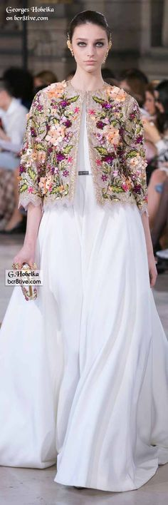 Georges Hobeika Fall 2016 Haute Couture fashions combine elegant simplicity and lines with creative, expert level couture beaded embroidery. Modest Fashion, Love Fashion, Runway Fashion, High Fashion, Fashion Dresses, Womens Fashion, Fashion Design, Fashion Trends, Georges Hobeika