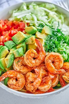 Lettuce Shrimp Avocado Salad - shrimp avocado salad recipe - This chunky shrimp salad with lettuce and avocado is a healthy and light meal, perfect for lunch or any night of the week! - recipe by 242772236149986557 Shrimp Avocado Salad, Avocado Salad Recipes, Avocado Salat, Healthy Salad Recipes, Salad With Shrimp, Lettuce Recipes, Shrimp Salad Recipes, Shrimp Salads, Cucumber Salsa
