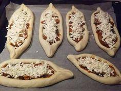 ΑΦΡΑΤΑ ΠΕΙΝΙΡΛΙ! Μία συνταγή που δεν θα την αλλάζετε με τίποτα! Απο τον Γιώργο Χριστιανό! | Φτιάξτο μόνος σου - Κατασκευές DIY - Do it yourself Cheese Pies, Mini Cheesecakes, Pizza, Greek Recipes, Finger Foods, Food To Make, Bakery, Health Fitness, Appetizers