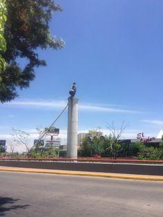 Monumento a C.Colon. Av. Américas y Av. Lopez Mateos