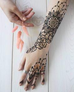 Classic henna design by @anastasia_hd_mehendi