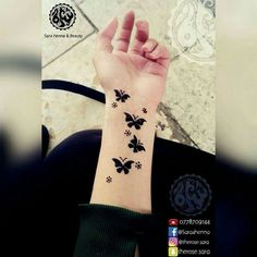 Most Girls Like Henna Tattoo Designs For Hands . Finger Henna Designs, Mehndi Designs For Fingers, Stylish Mehndi Designs, Unique Mehndi Designs, Mehndi Design Pictures, Beautiful Mehndi Design, Latest Mehndi Designs, Henna Tattoo Designs, Indian Mehndi Designs