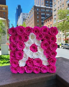 "ROSE BOX NYC no Instagram: ""It's a Beautiful Monday! ☀️ #Roseboxnyc #custominitial #giftidea"" Beautiful Monday, Flower Letters, Birthday Decorations, Alphabet, Nyc, Rose, Instagram, Flowers, Decorations"