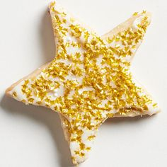 Here's a standout cookie-decorating trick: sparkles! Use edible glitter to make your annual cutout cookies as good as gold: http://www.bhg.com/christmas/recipes/christmas-sweets/?socsrc=bhgpin121814vanillaholidaycookies&page=17