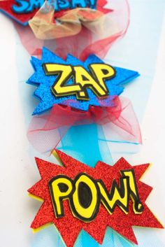 Get ready for comic con or halloween with these fun comic word diy hair clips. Great for pinup style fascinators with a comic twist!