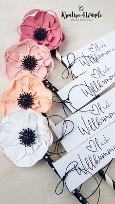 Stampin`Up! Cutting form poppy flowers - Welcome signs Stampin`Up! party Welcome signs Stampin`Up! party Welcome signs Stampin`Up! Tarjetas Stampin Up, Stampin Up Cards, Flower Cards, Paper Flowers, Poppy Cards, Stampin Pretty, Masculine Birthday Cards, Stampinup, Stampin Up Catalog