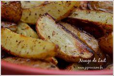 Comme promis lors de mon dernier billet ICI, voici ce que j'avais prévu pour accompagner mes brochettes de poulet au BBQ. Il s'agit de pommes de terre à la Grecque (ou Greek Patates) qui finalement ressemblent beaucoup à la recette de Frites Weight-Watchers...