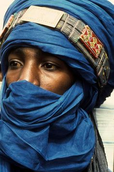 Africa | Tuareg man. North of Gao, Mali. | ©Georges Courreges
