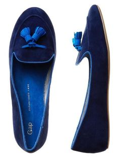 Gap Tassel Loafers---the color! Pretty Shoes, Beautiful Shoes, Cute Shoes, Me Too Shoes, Gap Shoes, Ankle Boots, Shoe Boots, Mocassins, Tassel Loafers