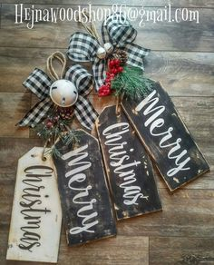 Christmas Wood Crafts, Christmas Signs, Diy Christmas Ornaments, Homemade Christmas, Diy Christmas Gifts, Rustic Christmas, Christmas Projects, All Things Christmas, Holiday Crafts