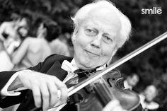 Violinista en boda Violin, Music Instruments, Wedding Pictures, Weddings, Musical Instruments