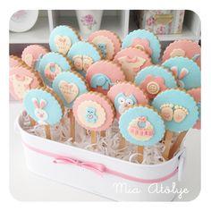 vanilla mug cake Fondant Cookies, Iced Cookies, Easter Cookies, Cupcake Cookies, Sugar Cookies, Baby Girl Cookies, Baby Shower Cookies, Muffin Cake Recipe, Gateau Baby Shower