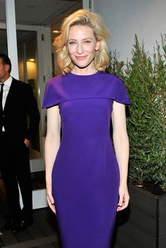 If only we could all have a custom Giorgio Armani dress. Cate Blanchett looking elegant at the Armani pre-Oscars party. Cate Blanchett, Oscar Party, Looks Chic, Hollywood Celebrities, Red Carpet Dresses, Purple Dress, Catio, Frocks, Dress To Impress