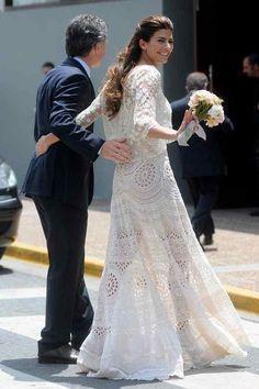Juliana Awada: 10 claves del estilo de la primera dama Boho Wedding Dress, Boho Dress, Bridal Dresses, Lace Dress, Royal Fashion, Star Fashion, Women's Fashion, Havana, Clothes 2018